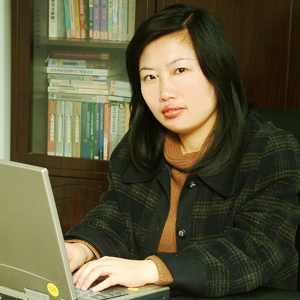 周菁华律师